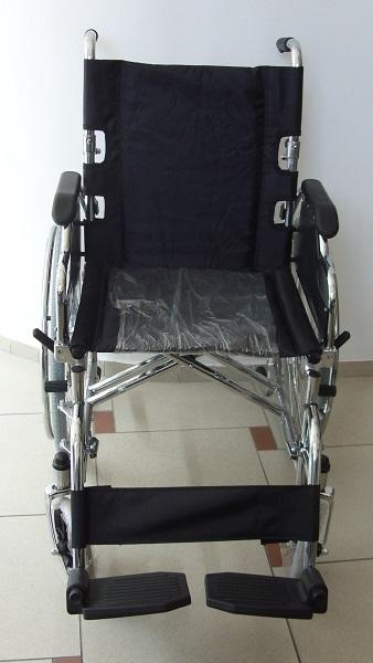 С чупеща се облегалка инвалидна количка