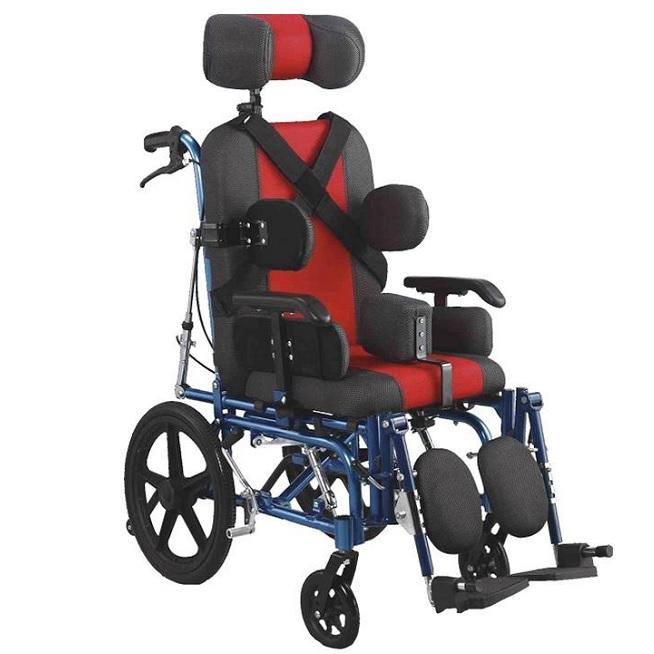 С ДЦП възрастни и деца инвалидни колички