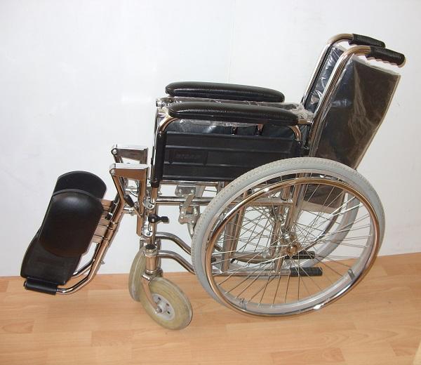 Инвалидна количка BTC 2D с подбедрици за 5 лв/ден