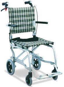Олекотена инвалидна количка 7 кг.