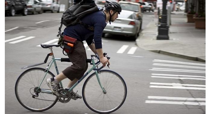 Велосипедисти на път за работа, хигиена